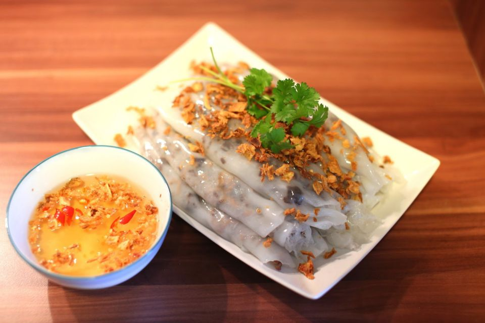 hanoi local food tours - banh cuon