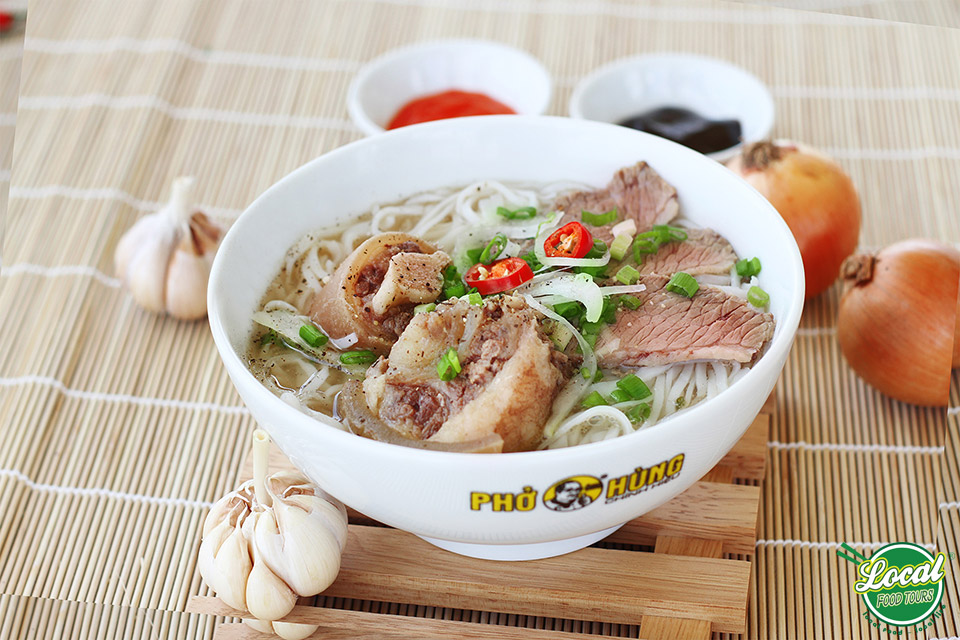 Pho Vendors – Nostalgia For Traditional Pho In Hanoi - Hanoi local Food Tours